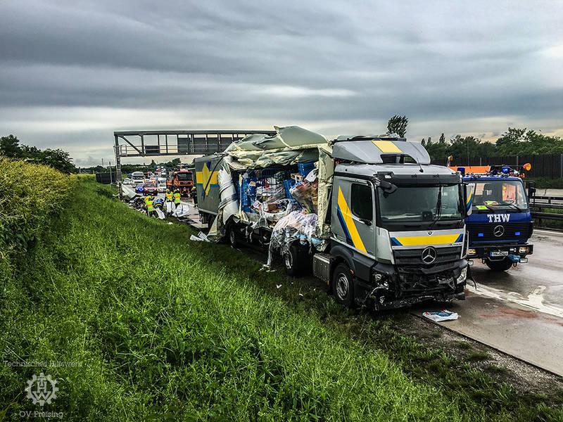 LKW-Unfall auf der A92