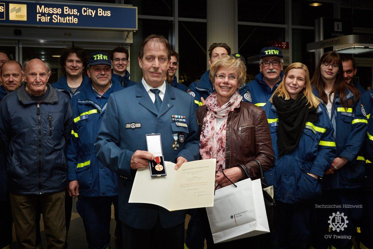 Vize-Chef Manfred Kürzinger erhält Verdienstmedaille