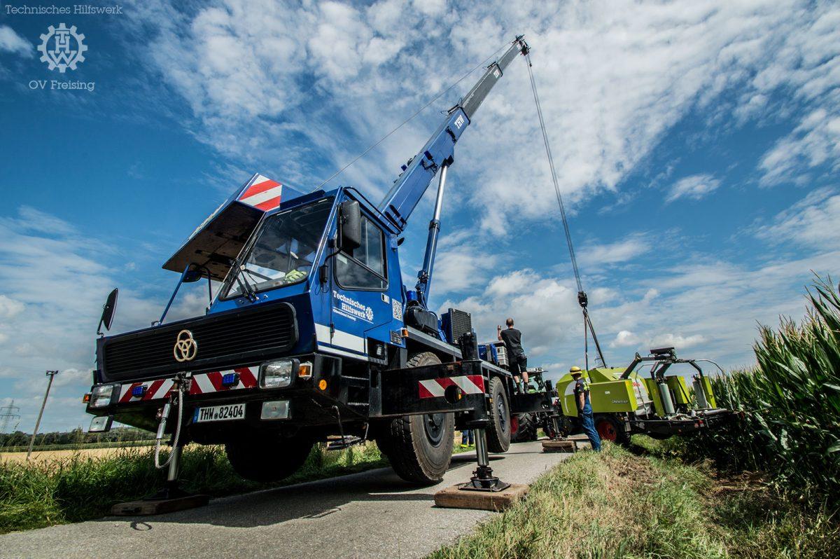 Bergung Umgestürzter Traktor