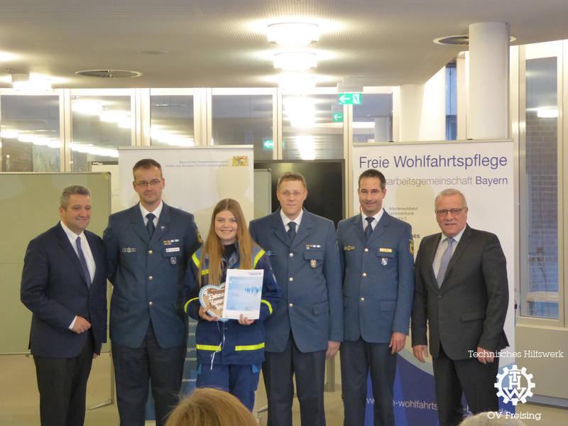 Verleihung Ehrenamtsnachweis an Carina Wüst