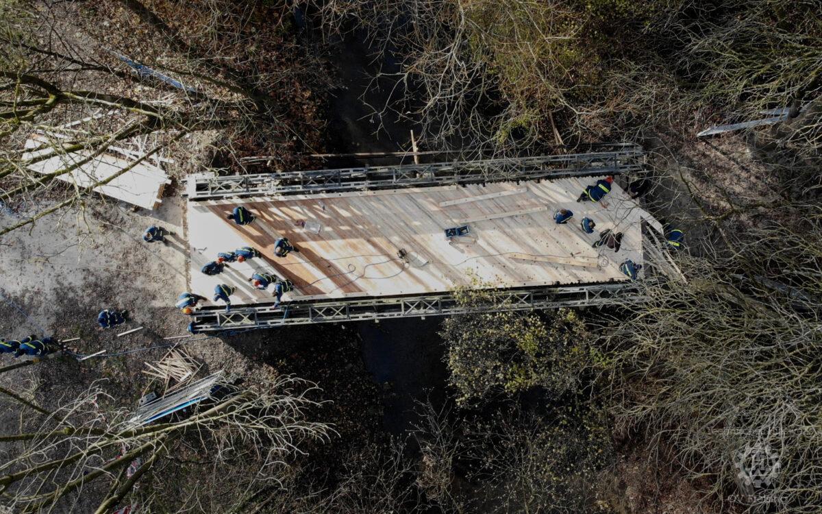 Brückenbau über die Schleifermoosach in Freising
