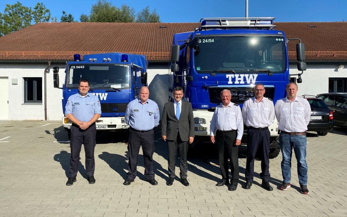 Staatsminister Dr. Herrmann informiert sich beim THW Freising über den Einsatz im Ahrtal